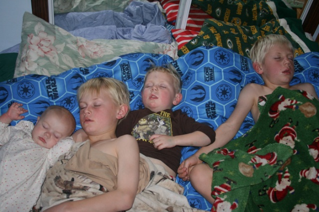 Nest sleeping kids