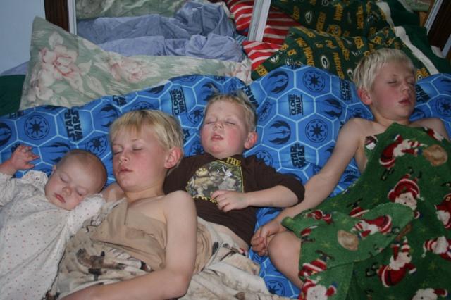 Nest sleeping kids