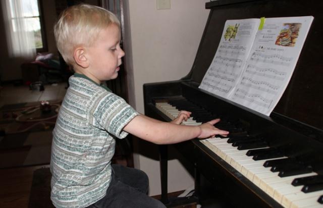 Piano Henry