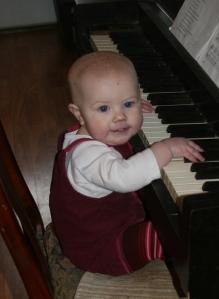 Piano Nola Mae