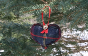 upcylced heart ornament 1