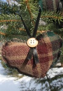 upcylced heart ornament 3