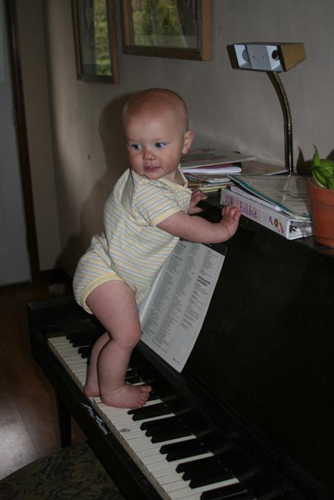Nola Mae musical feet
