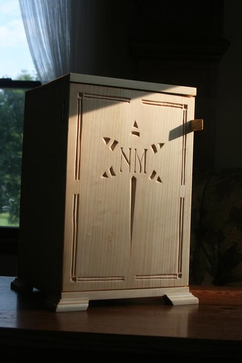 box Nola Mae