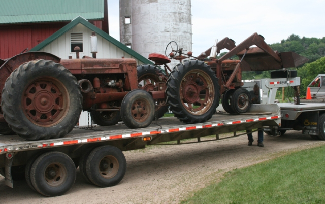 Tractor W-9 & H loaded up