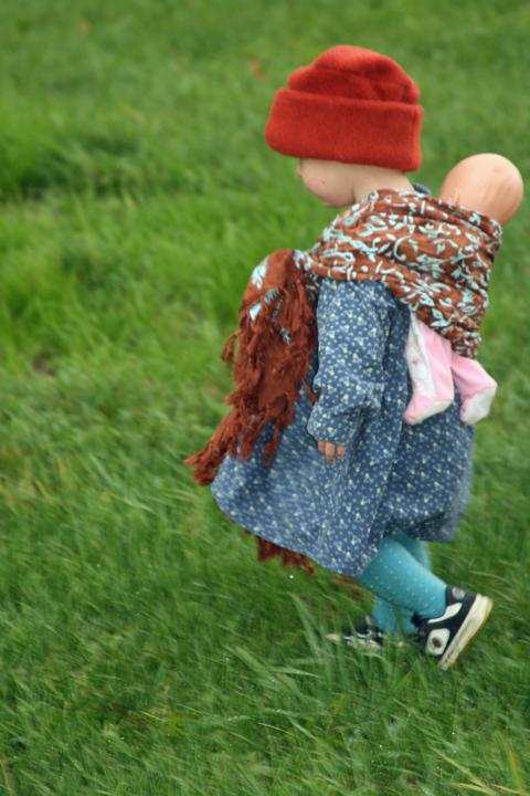 wrap scarf grass