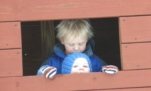 playhouse window kiss