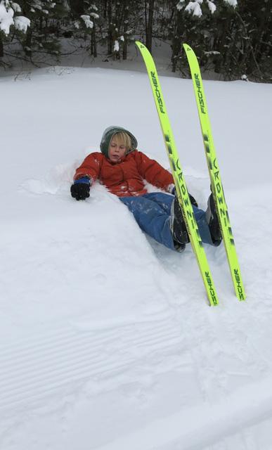 skiing Robbie snowbank rest