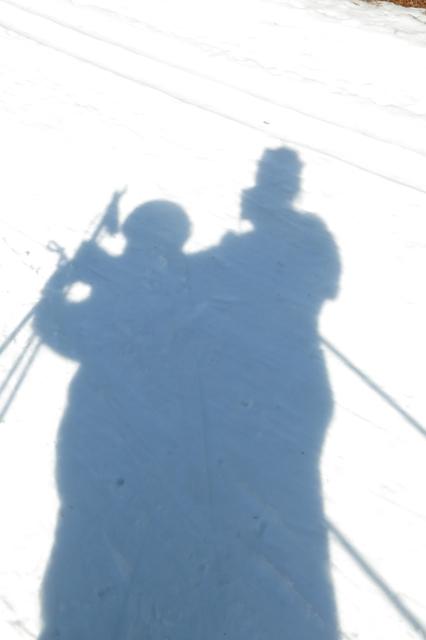 skiing 2 headed skiing monster