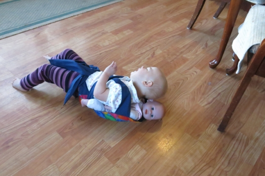 babywearing flopping on the ground 1