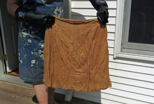 Dye brown skirt before