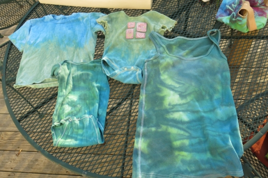 dye ice blue green