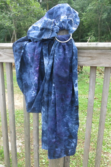 dye ice Navy over Intense violet ring sling