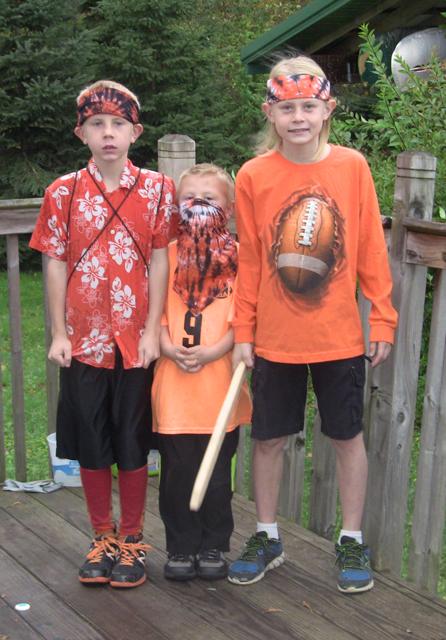 Dye bandanas orange and black