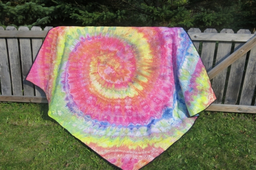 dye swirl rainbow quilt finished