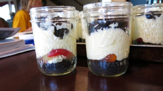 dirt cake in jelly jars 2