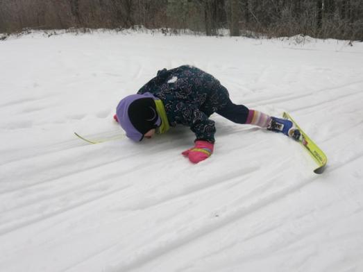 ski nola Mae 1 yoga pose