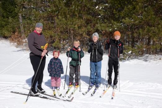 skiing family